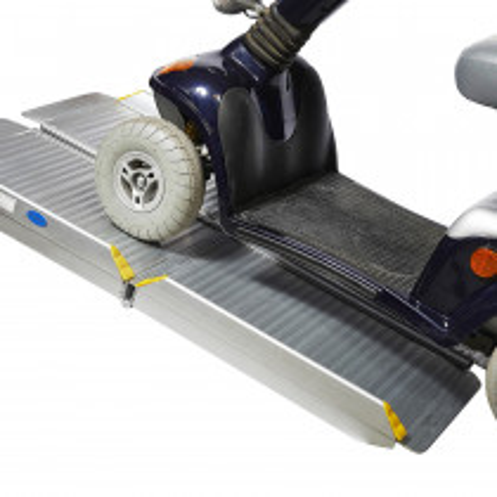 Zweifach klappbare Rampe für Behindertenfahrzeuge - 120 cm